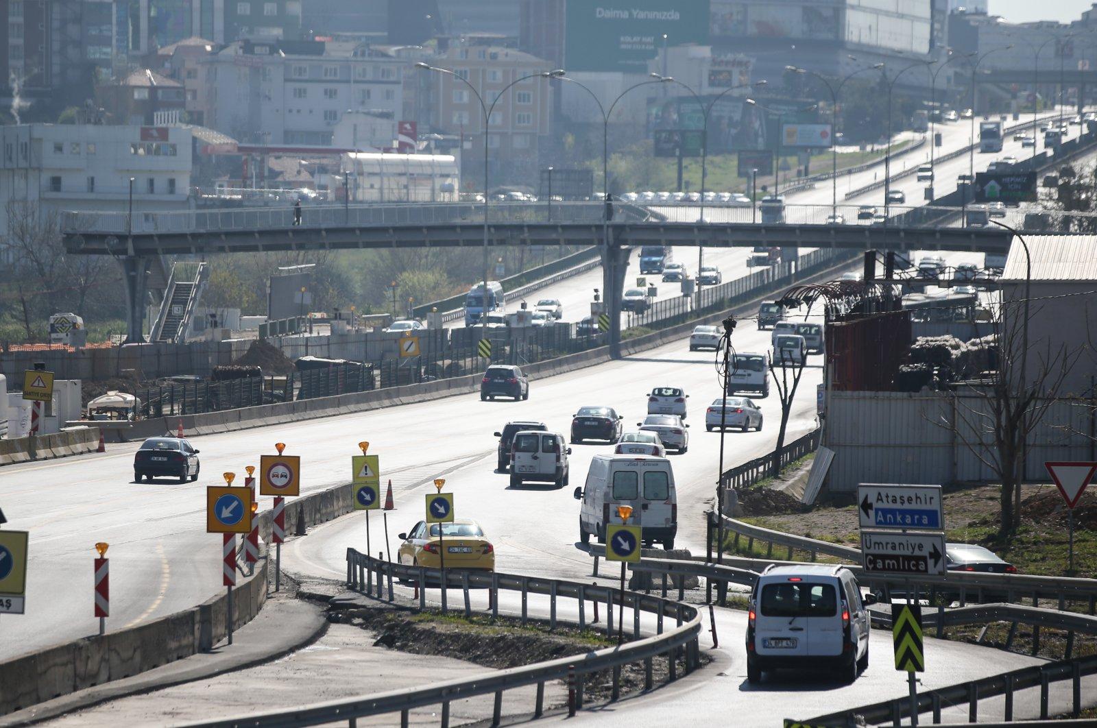 A highway bridge in Göztepe district, Istanbul, Turkey, April 13, 2020. (AA Photo)