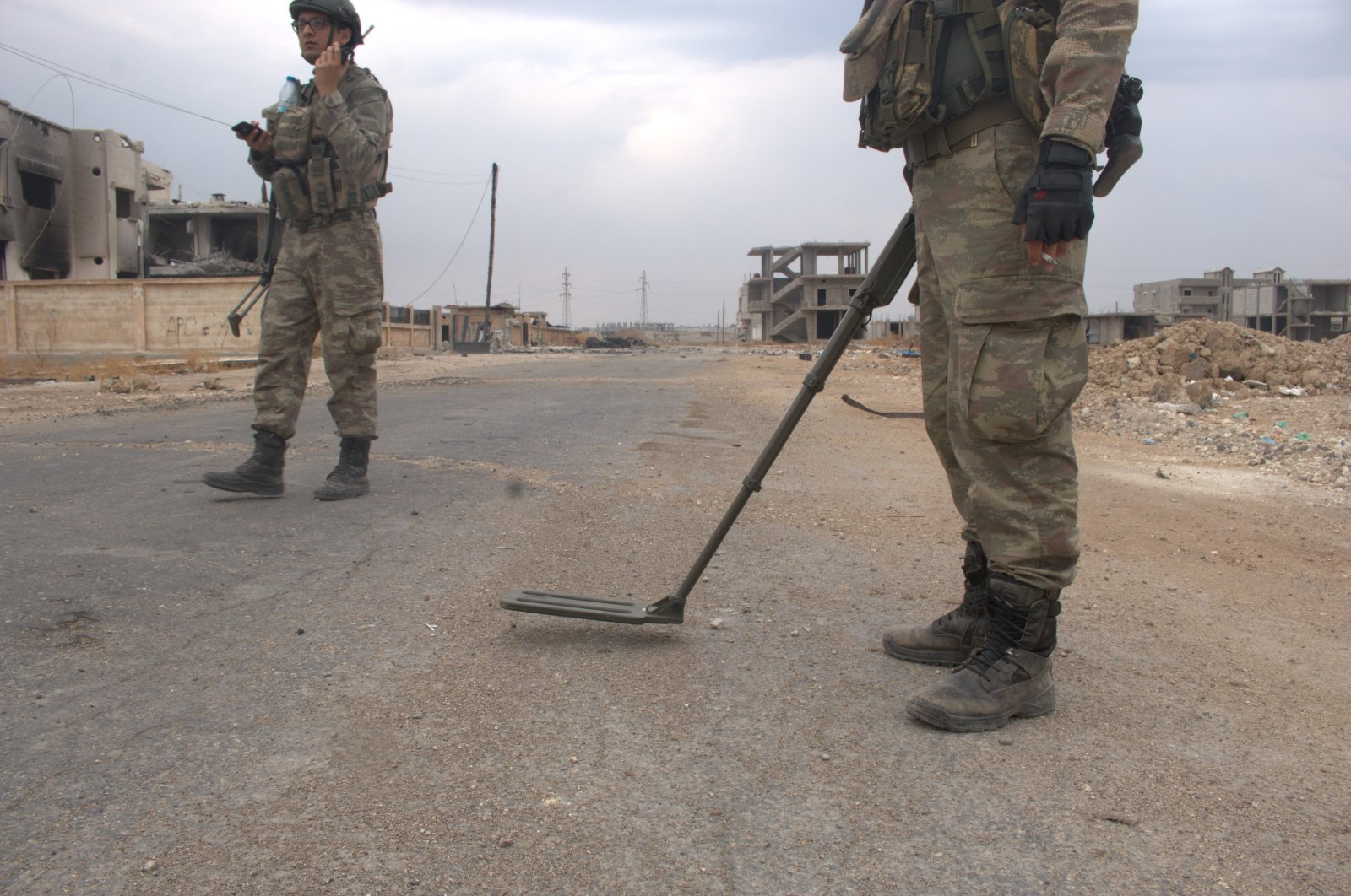 Turkish military's work is ongoing in liberated Syrian provinces to detect and destroy mines and other explosive devices planted by the terrorists. (IHA)