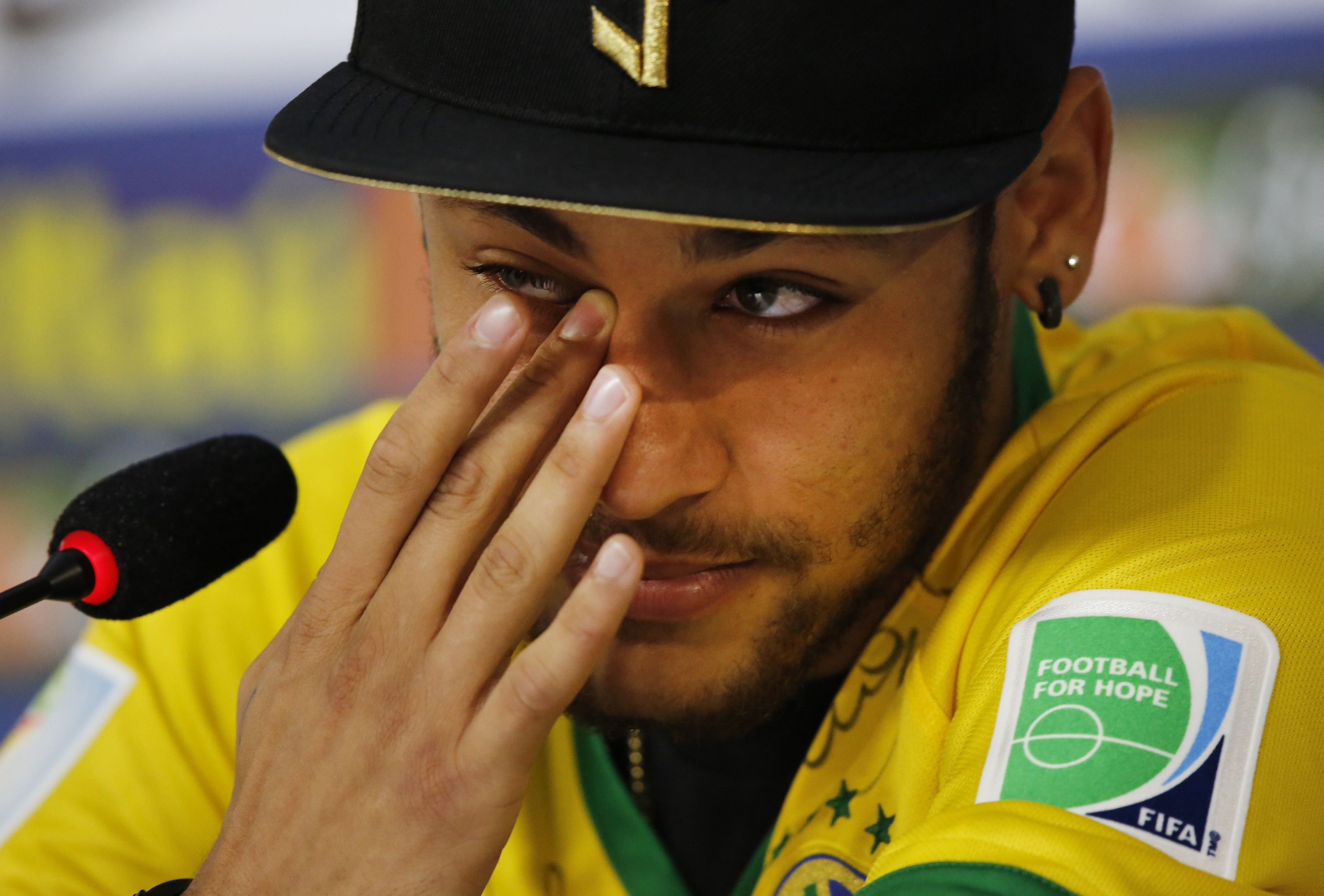 Neymar Says He Cried Like A Child After Watching Turkish Blockbuster Miracle In Cell No 7 Daily Sabah