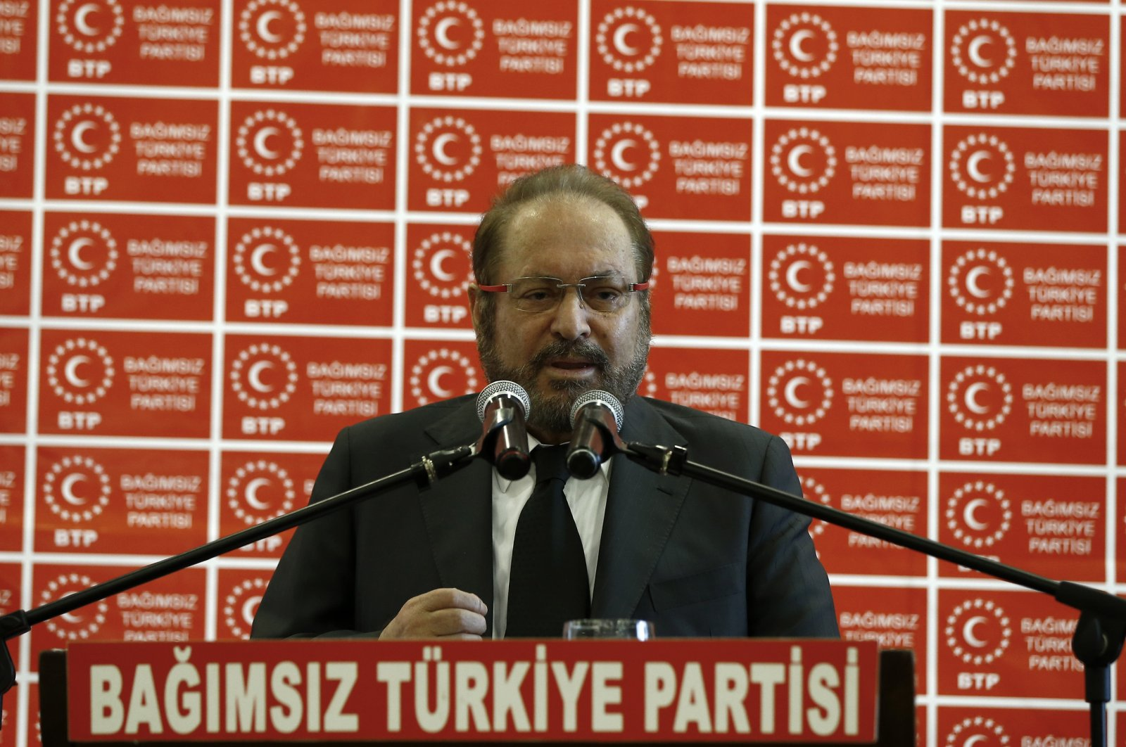 Haydar Baş, chairman of the Independent Turkey Party, speaks during a party congress, Oct. 20, 2019. (AA File Photo)