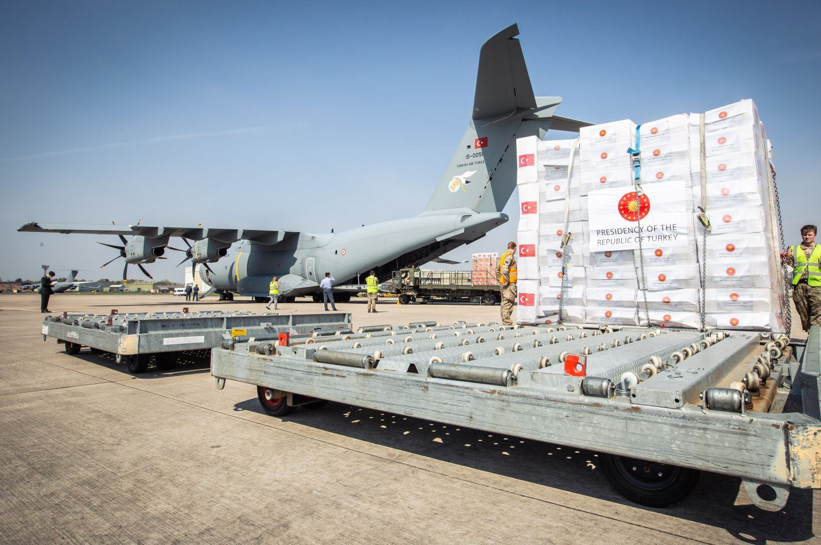 Crucial supplies of personal protective equipment (PPE) for medical staff are delivered from Turkey into a Royal Air Force base for distribution around the country, amid the coronavirus outbreak, in Carterton, Britain, April 10, 2020. (Reuters Photo)
