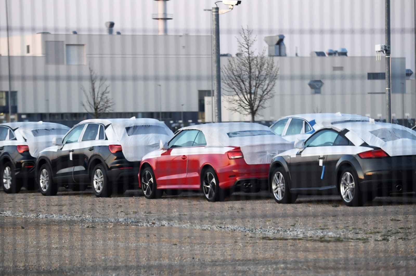 Cars lined up at the factory of German carmaker Audi in Gyor, Hungary, about 120 kilometers (75 miles) west of Budapest, following the Volkswagen Group's Audi brand restarting operations at its plant, April 15, 2020. (AFP Photo)