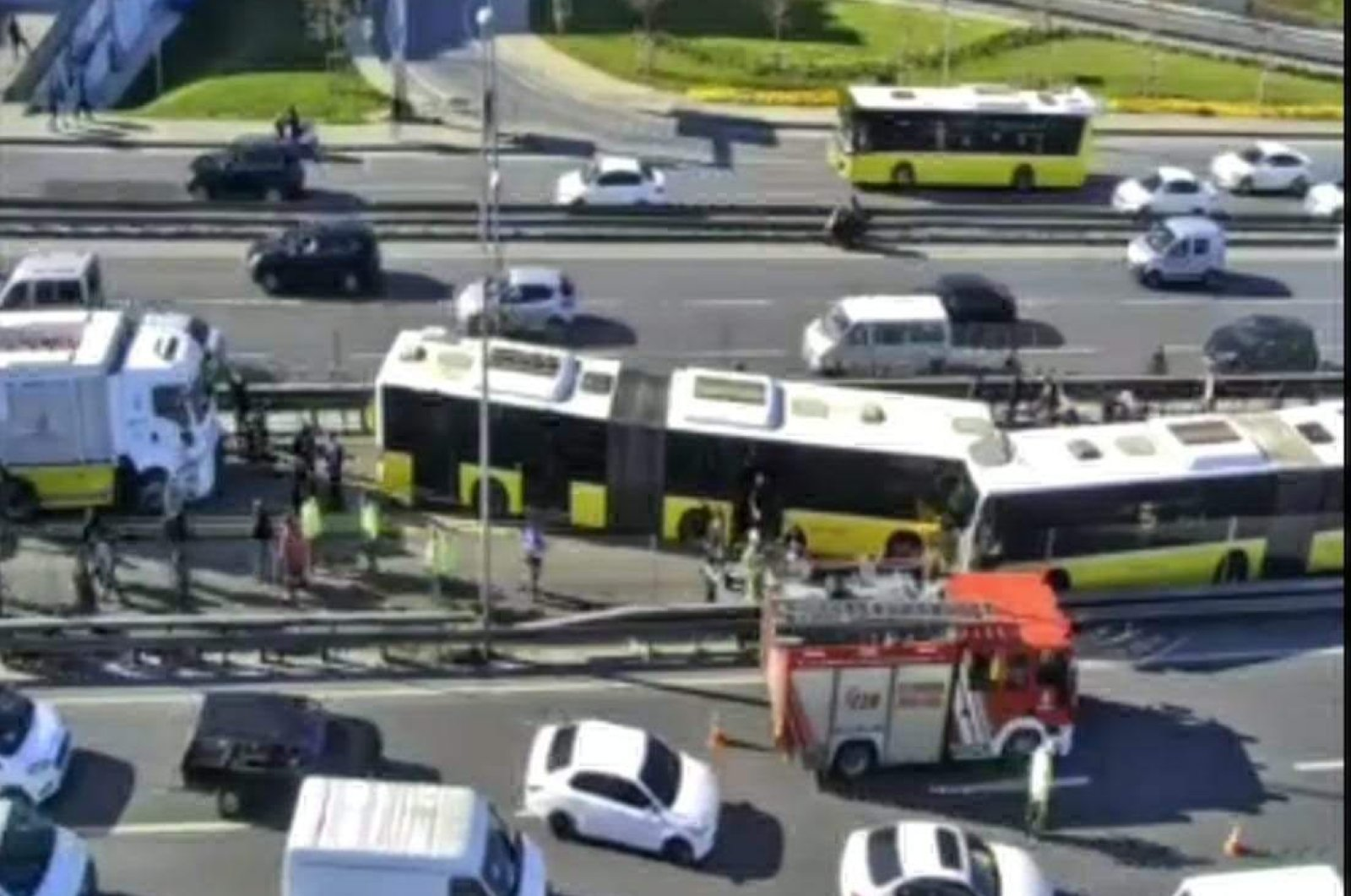 The metrobuses collide in Istanbul's Avcılar on 16.04.2020 (DHA Photo)