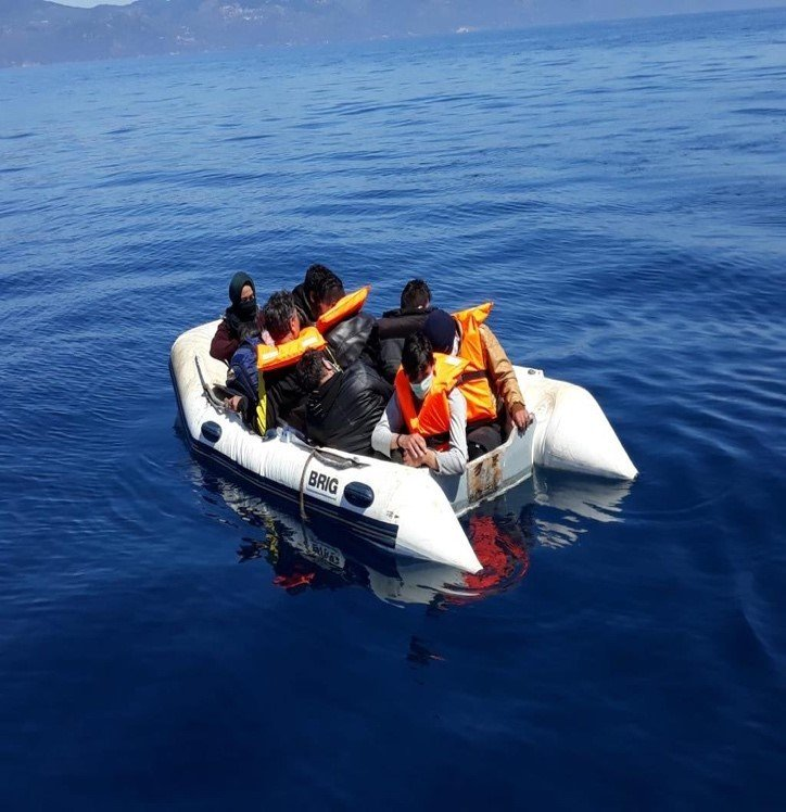 Ten refugees pushed back by Greece are saved in Aegean by the Turkish coast guard, April 19, 2020. (IHA)