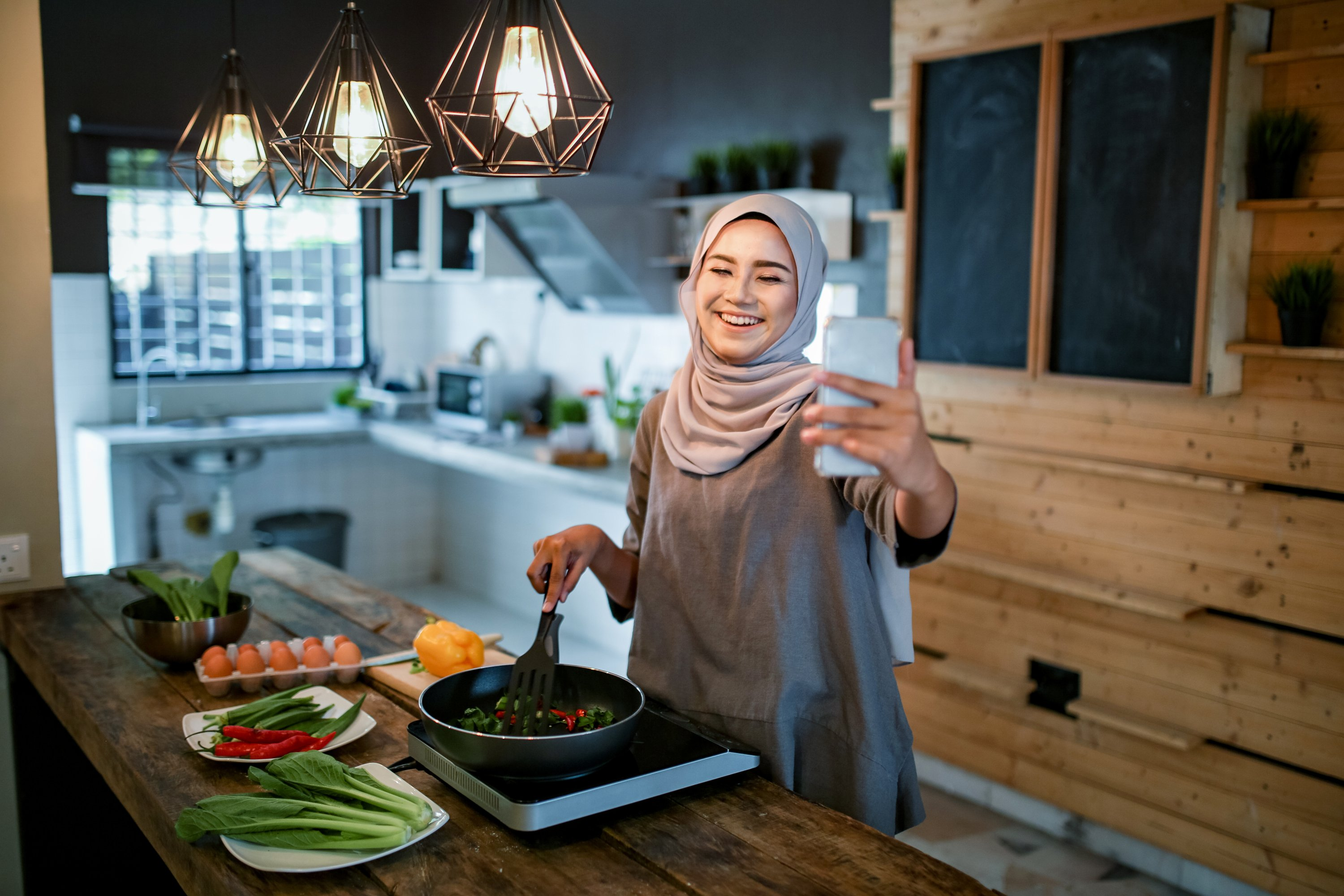 You can share your recipes with your family and friends by going live on Instagram this Ramadan. (iStock Photo)