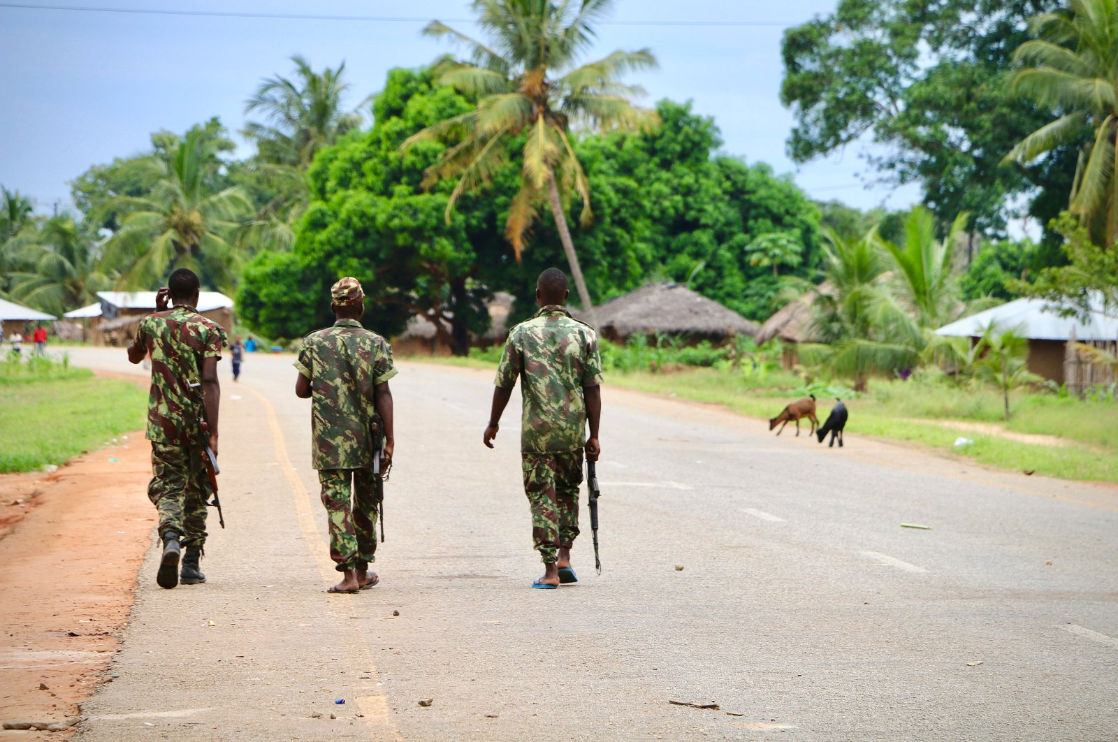 Soldiers from the Mozambican army patrol the streets in Mocimboa da Praia, Mozambique, March 7, 2018. (AFP Photo)
