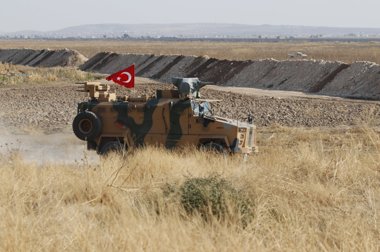 Turkish-Russian forces started joint patrols on March 15 along the M4 highway.
