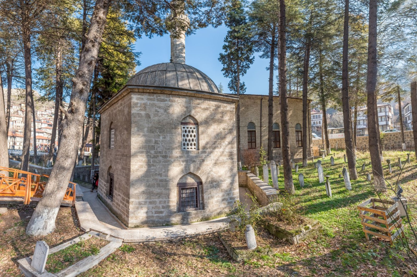 Akshamsaddin's tomb, which is frequently visited by his admirers, is located in the Göynük district of western Bolu province. (iStock Photo)
