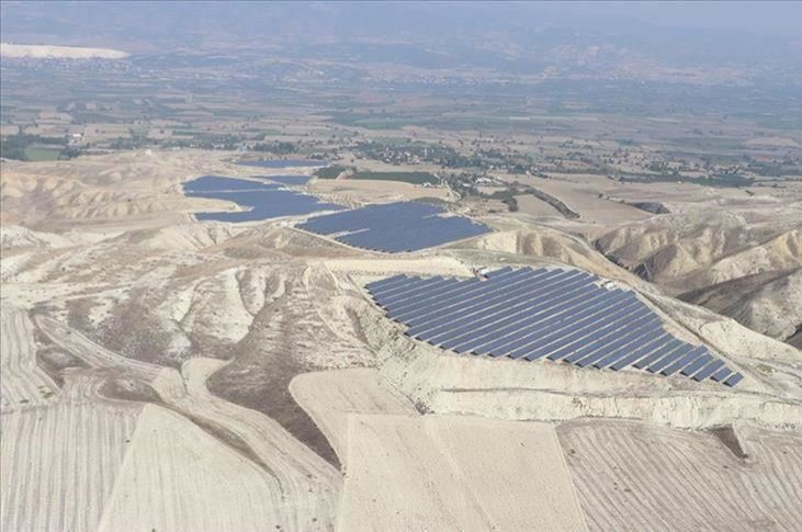 Two Japanese firms, Enechange and Looop, will invest in a solar power plant in Denizli, western Turkey. (AA Photo)