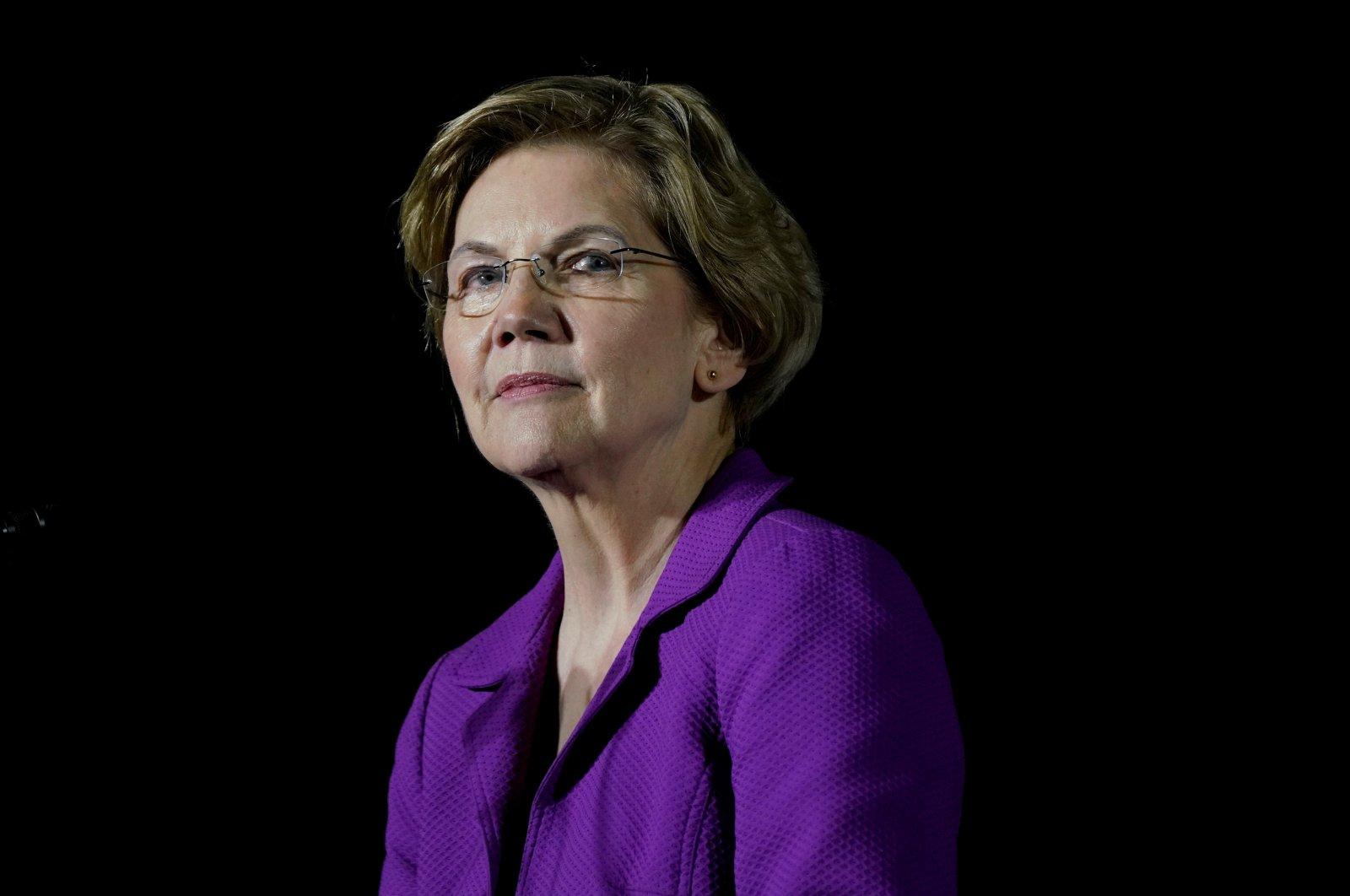 Then-Democratic 2020 U.S. presidential candidate Senator Elizabeth Warren speaks to supporters in Monterey Park, California, U.S., March 2, 2020. (Reuters Photo)