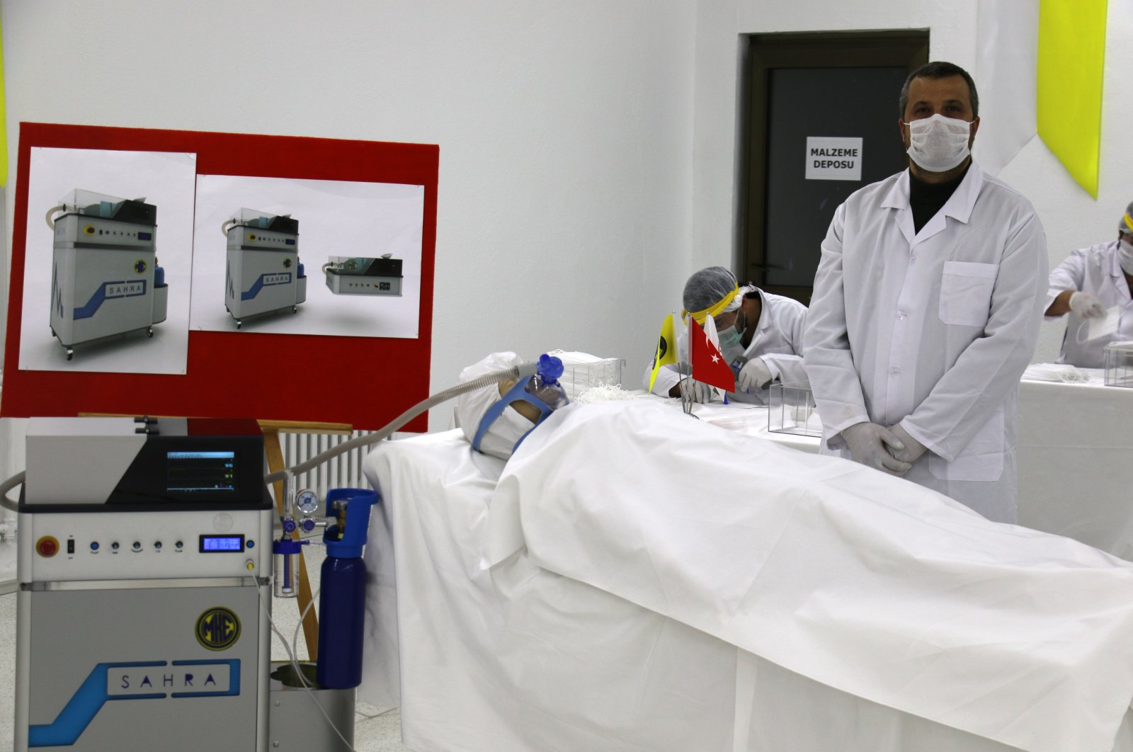 A Sahra ventilator machine is presented by the MKEK personnel, on April 24, 2020. (IHA Photo)