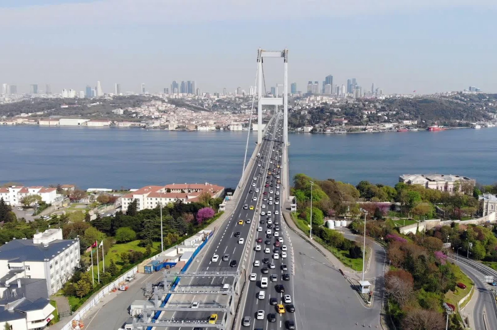 Traffic on July 15 Martyrs' Bridge after the end of a four-day curfew, in Istanbul, Turkey, April 27, 2020. (İHA Photo)