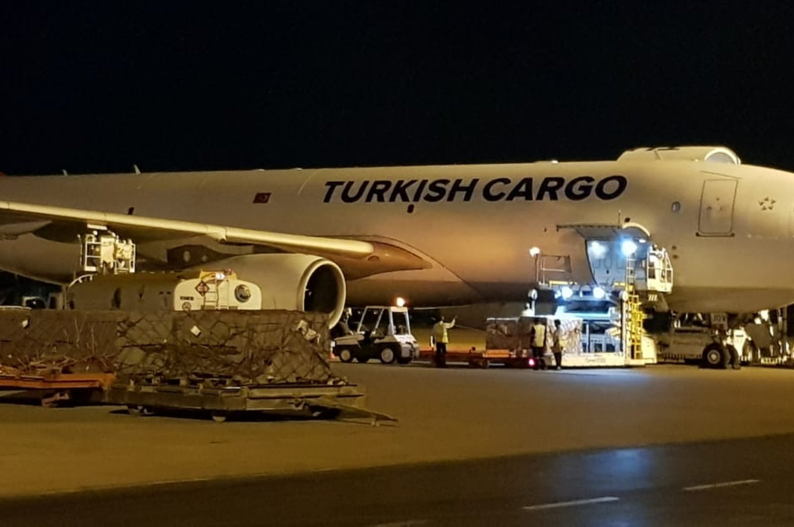 Turkey has sent a second batch of medical supplies for the fight against the coronavirus outbreak to Pakistan's Karachi province, April 28, 2020. (AA Photo)