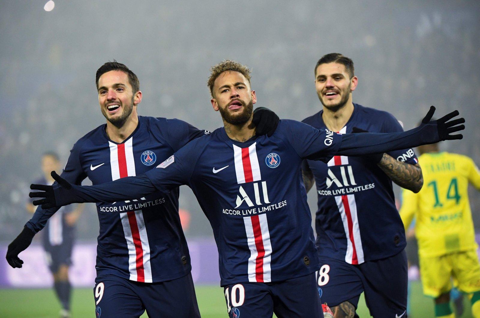 Neymar (C) celebrates a goal with his teammates during a Ligue 1 match against FC Nantes at the Parc des Princes in Paris, France, Dec. 4, 2019. (AFP Photo)