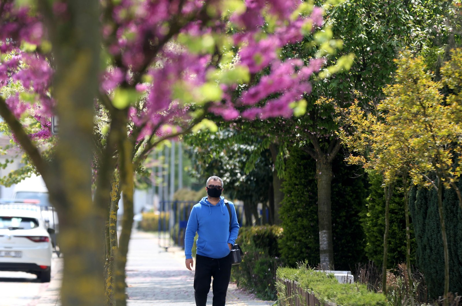 A man wearing a face mask walks on the street in Düzce, Turkey, Friday, May 1, 2020. (AA Photo)