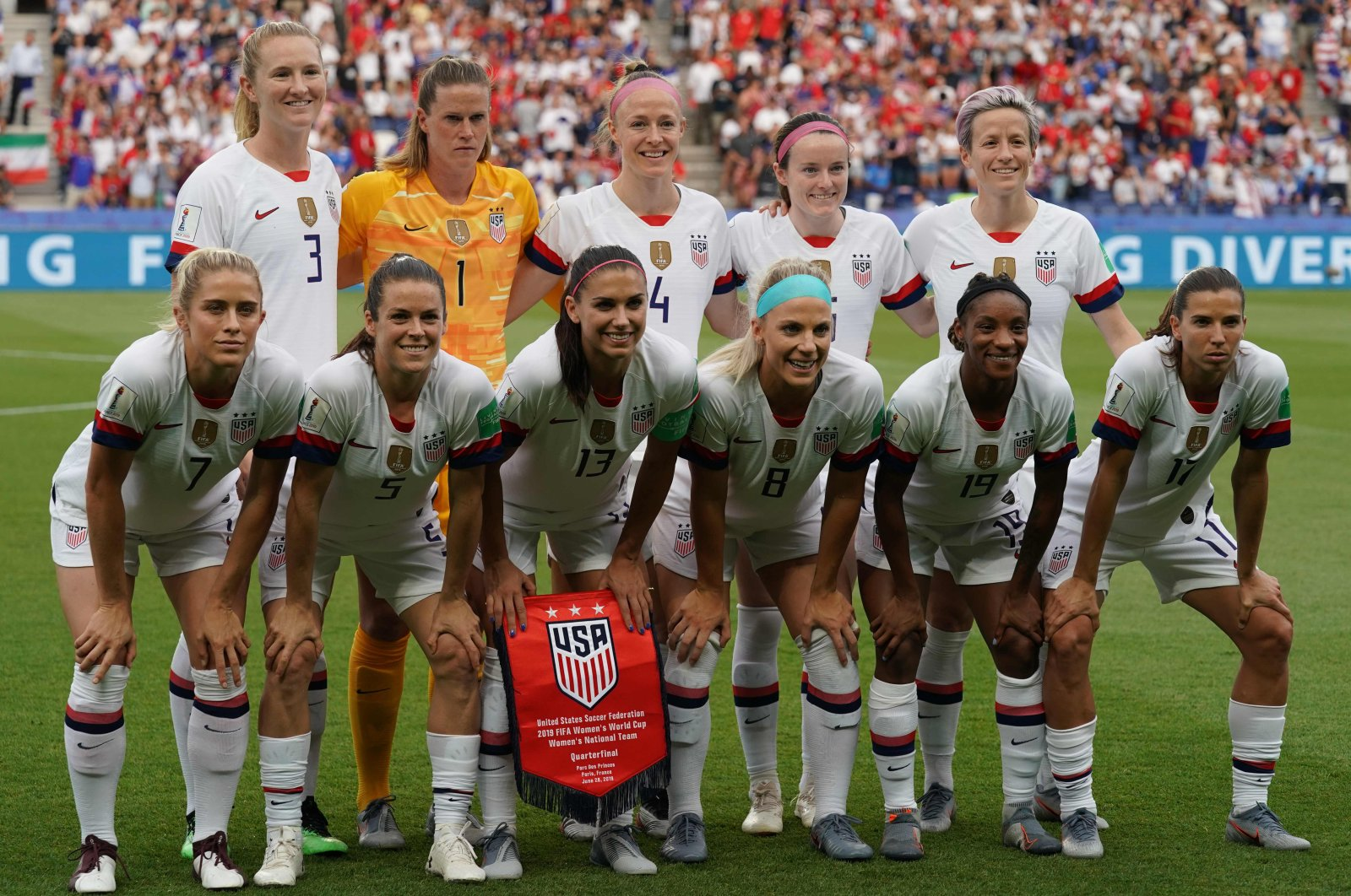 US women's national football team poses ahead of the 2019 Women's World Cup quarterfinal football match between France and U.S., at the Parc des Princes stadium in Paris, June 28, 2019. (AFP Photo)