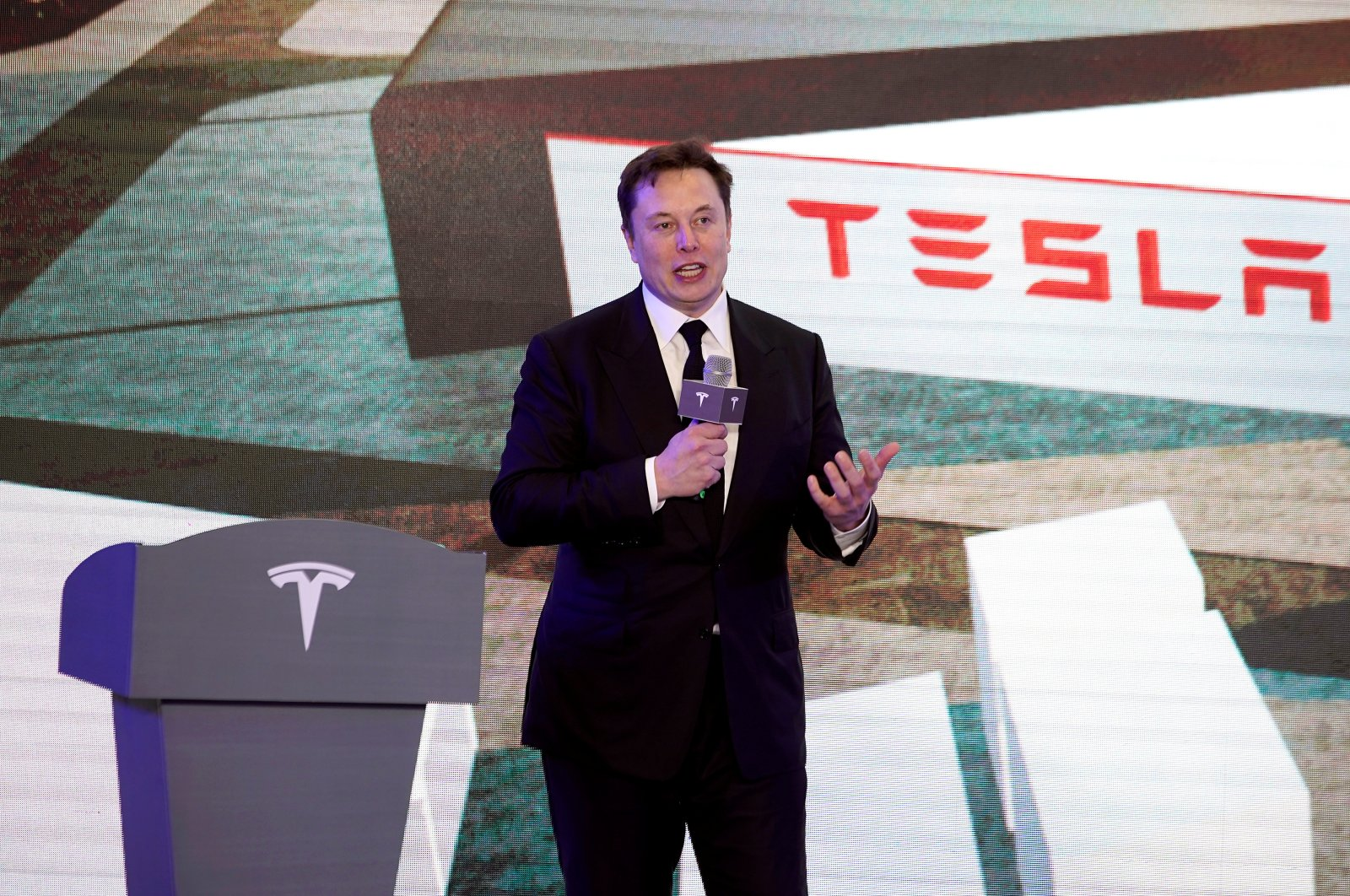 Tesla Inc CEO Elon Musk speaks at an opening ceremony for Tesla China-made Model Y program in Shanghai, China Jan. 7, 2020. (Reuters Photo)