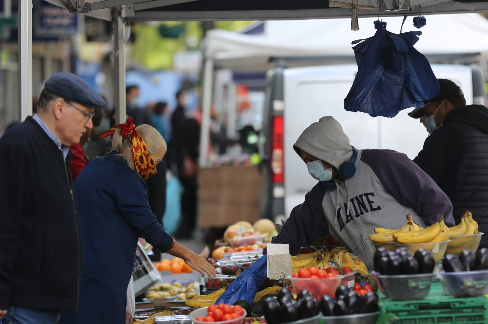 A marketplace serving fruit and vegetables in London, May 2, 2020. (AA Photo)