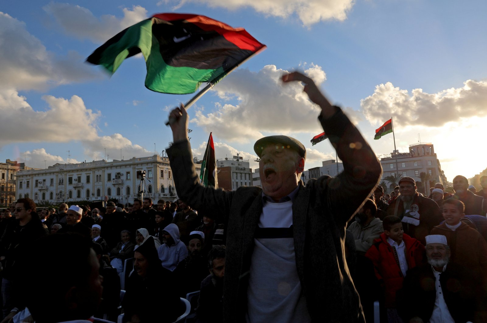 Libyan protesters shout slogans during a demonstration to demand an end to renegade Gen. Khalifa Haftar's offensive against Tripoli, in Martyrs' Square in central Tripoli, Libya December 27, 2019.  (Reuters Photo)
