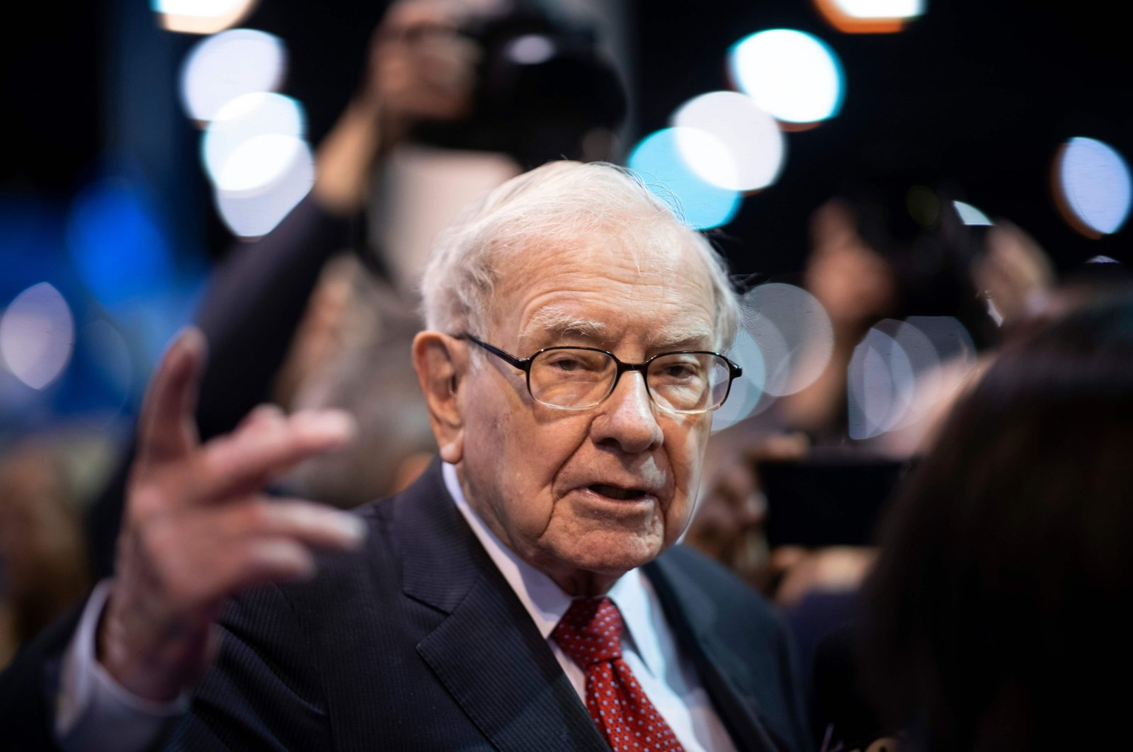In this file photo taken on May 4, 2019, Warren Buffett, CEO of Berkshire Hathaway, speaks to the press as he arrives at the 2019 annual shareholders meeting in Omaha, Nebraska. (AFP Photo)