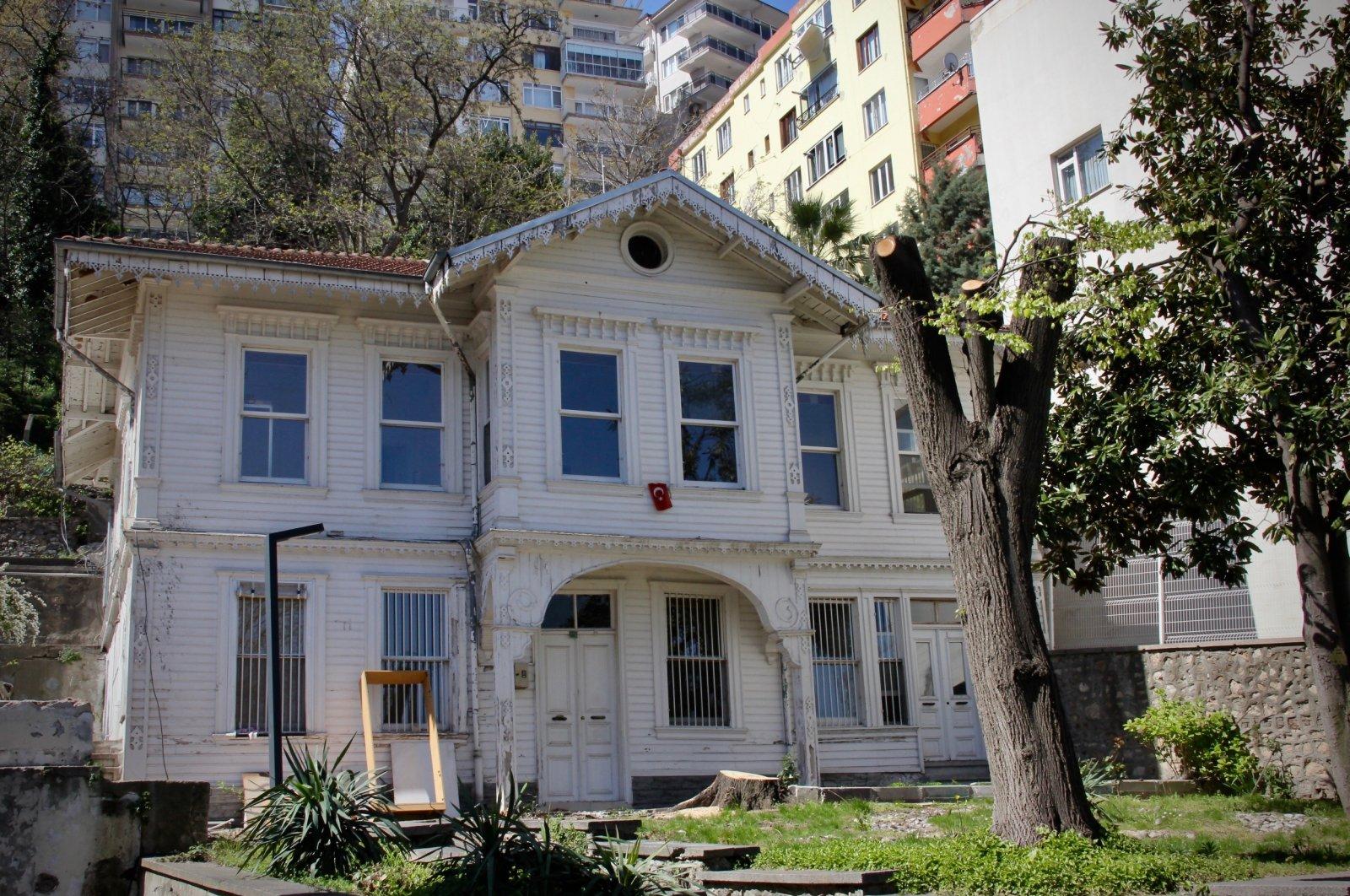 A photo of Saatçi Mansion from afar. (AA Photo)