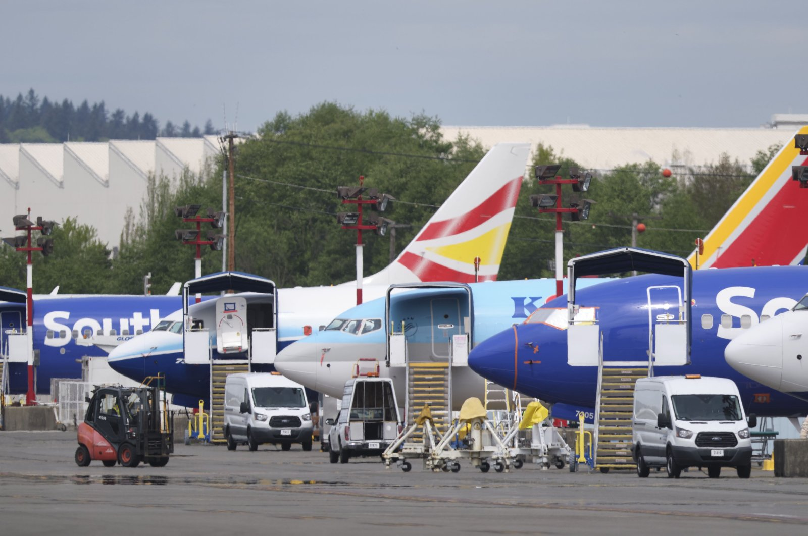 Grounded Boeing 737 MAX airplanes outside the company's factory, Renton, Washington, April 29, 2020. Boeing last week announced that it would lay off 15% of its commercial-airplanes division workforce amid the fallout from the coronavirus pandemic. (AFP Photo)