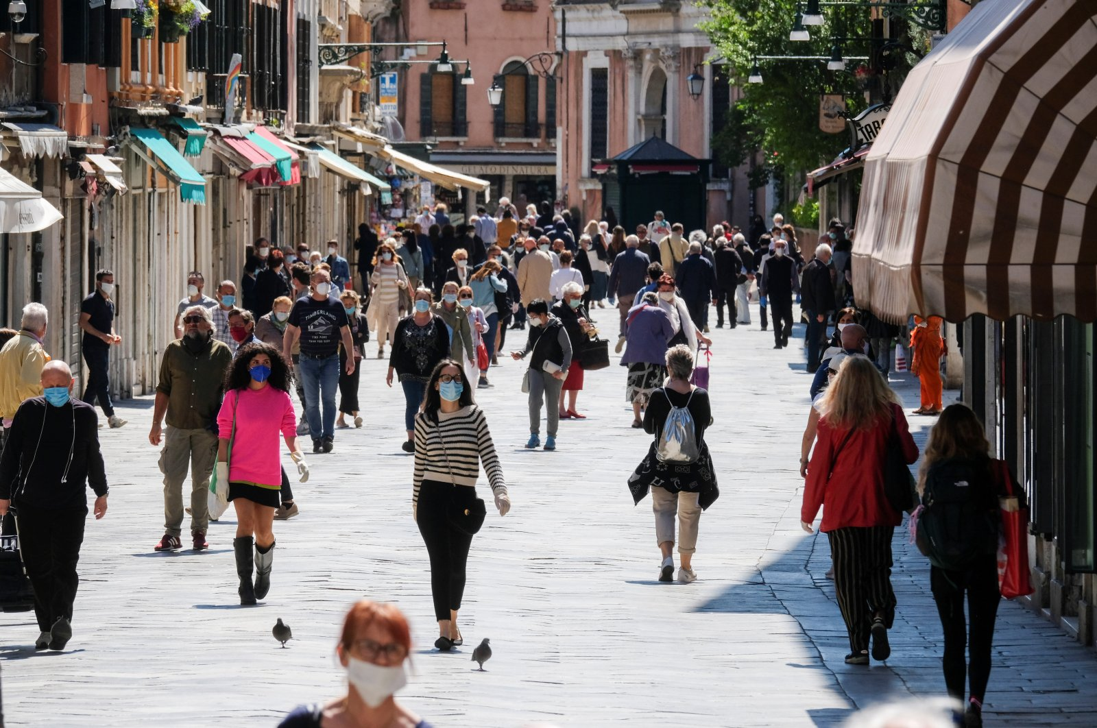 More movement is seen in the streets as coronavirus lockdown measures ease, Venice, Italy, May 4, 2020. (Reuters Photo)