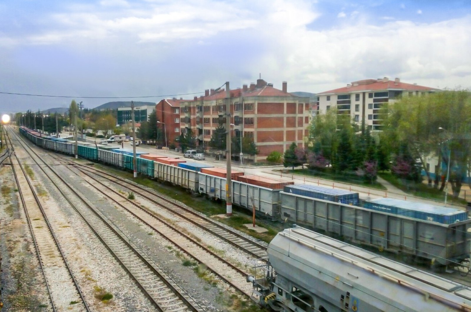 A freight train departs from Turkey's Bilecik for Kyrgyzstan's Osh, April 30, 2020. (IHA Photo)