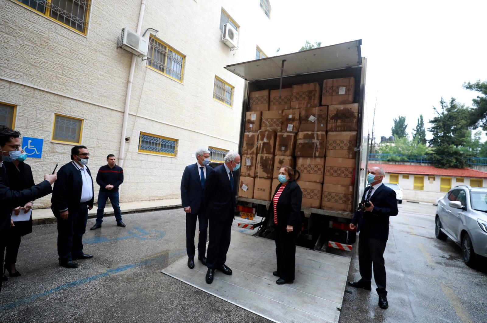 The medical aid shipment to Palestine was delivered by interim Turkish Ambassador Ahmet Rıza Demir during a reception at the Health Ministry premises, May 5, 2020. (AA)