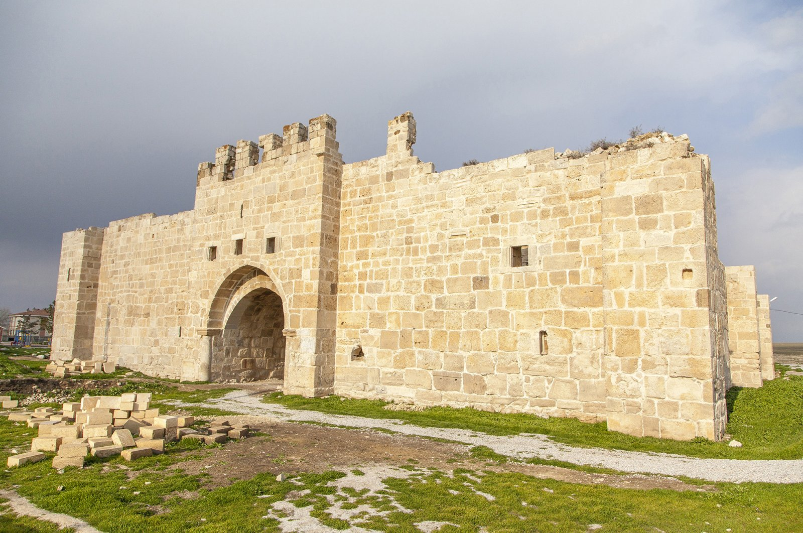 The Obruk Han will join Turkey's tourism attractions with the completion of the restoration.