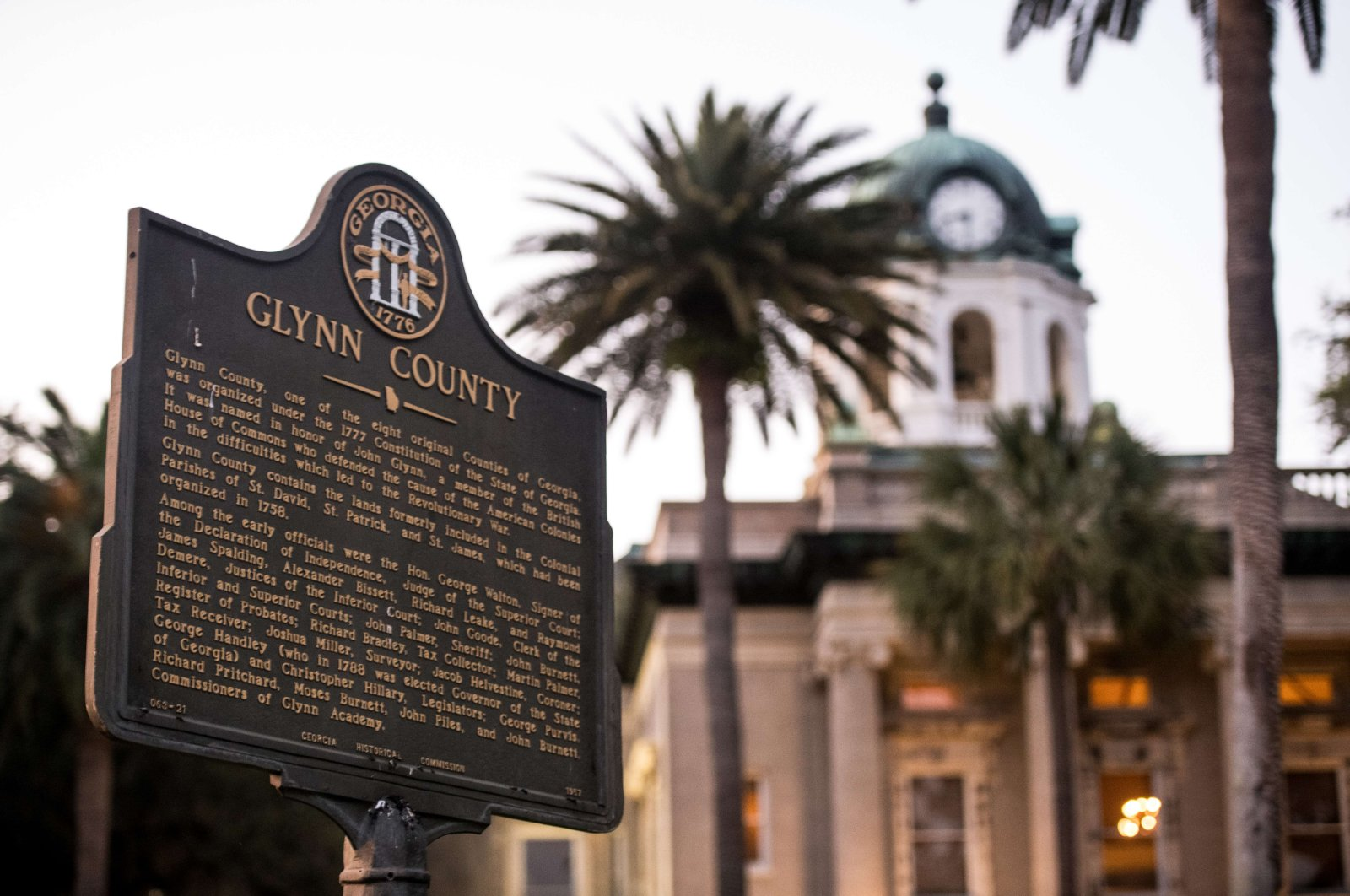 A marker stands in front of the historic Glynn County courthouse in Brunswick, Georgia, May 6, 2020. (AFP Photo)