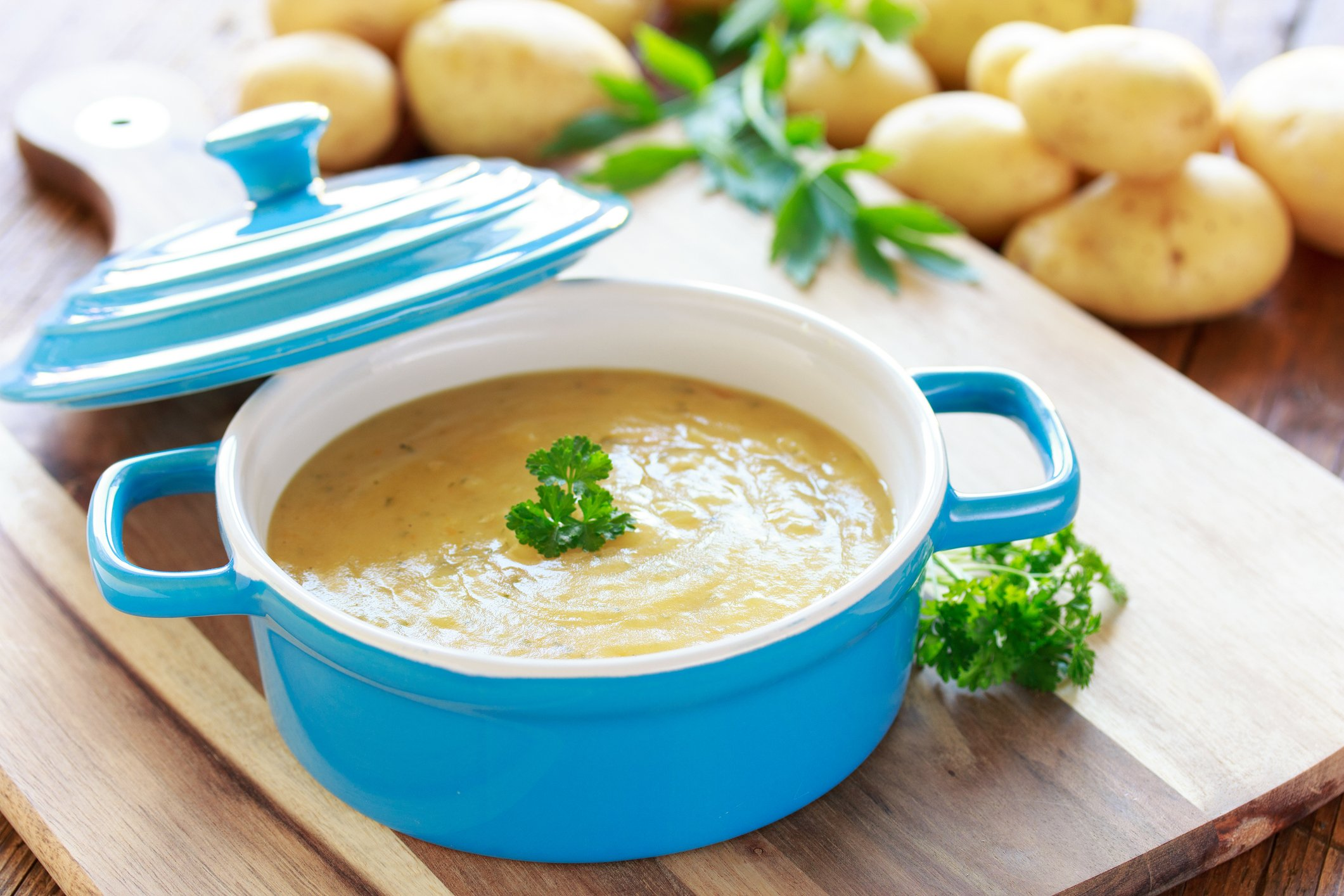 You can garnish your potato soup with herbs like parsley or dill. (iStock Photo)