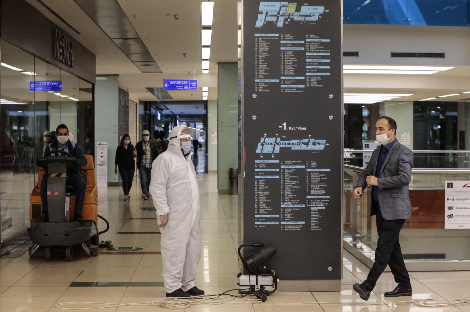 People are seen inside a mall in the capital Ankara, Turkey, May 11, 2020. (AA Photo)