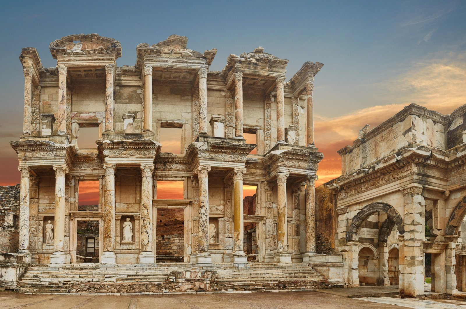 Yusuf Güney's performance will take place at the ancient city of Ephesus. (iStock Photo)