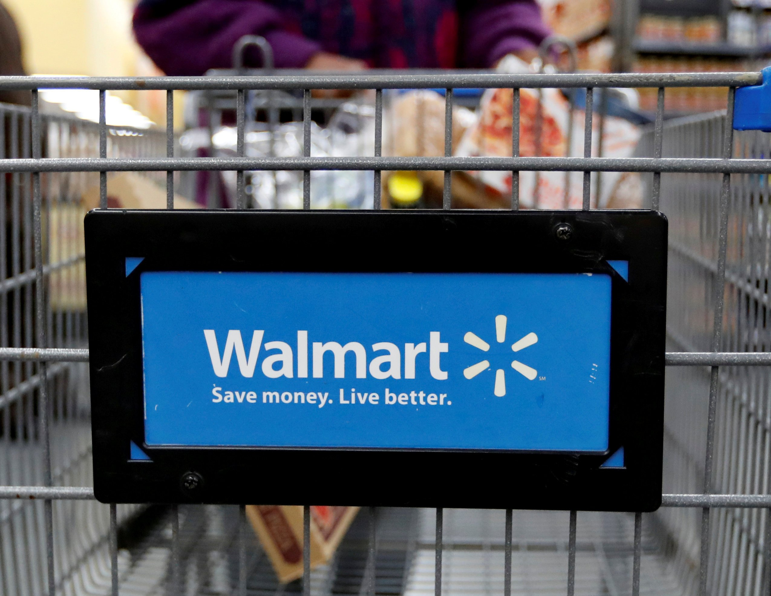 US consumer prices posts 0.8% drop in April, biggest since 2008 thumbnail