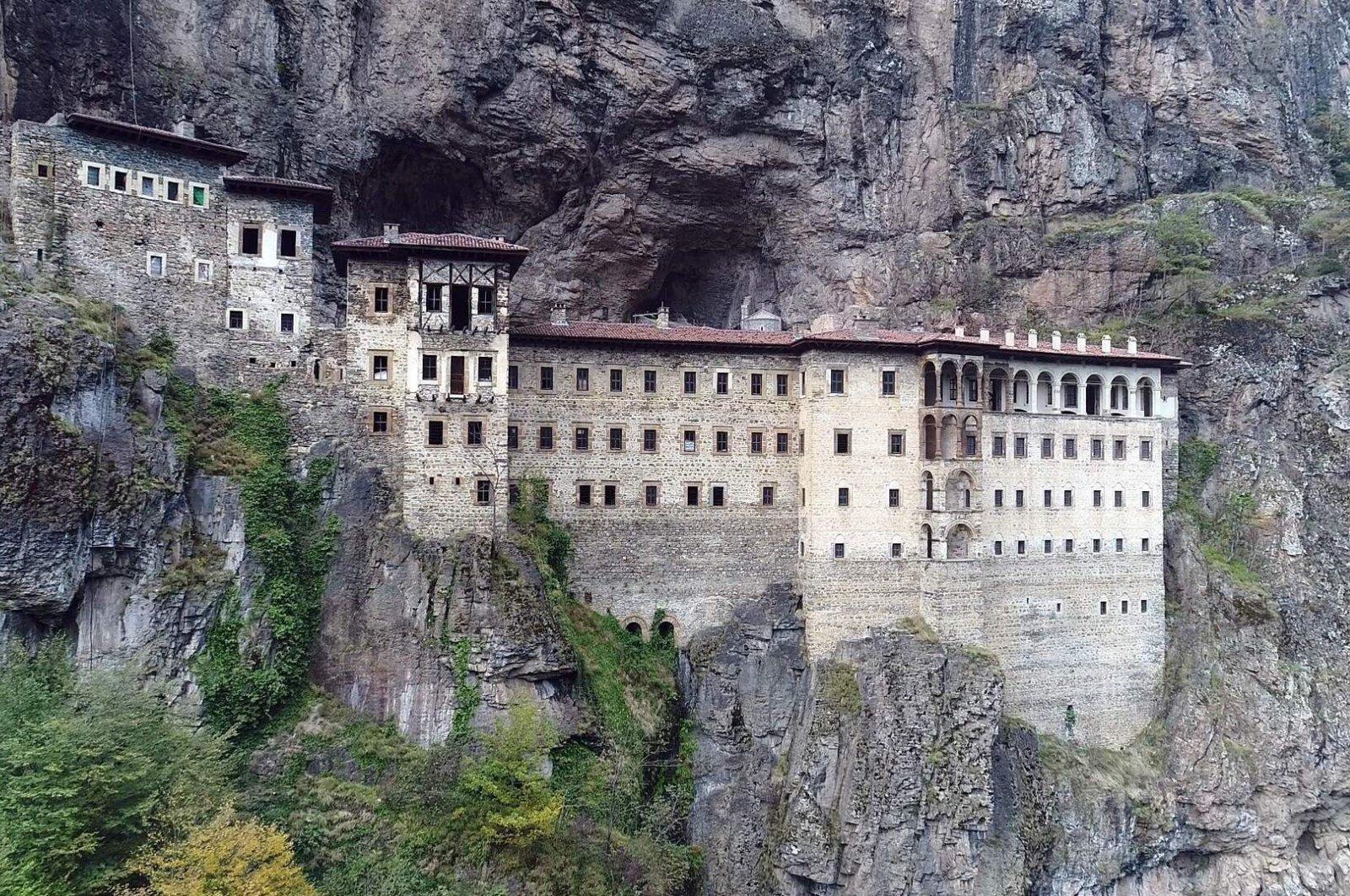 Restoration work at the historical Sümela Monastery restarted nearly 10 days ago. (İHA Photo)