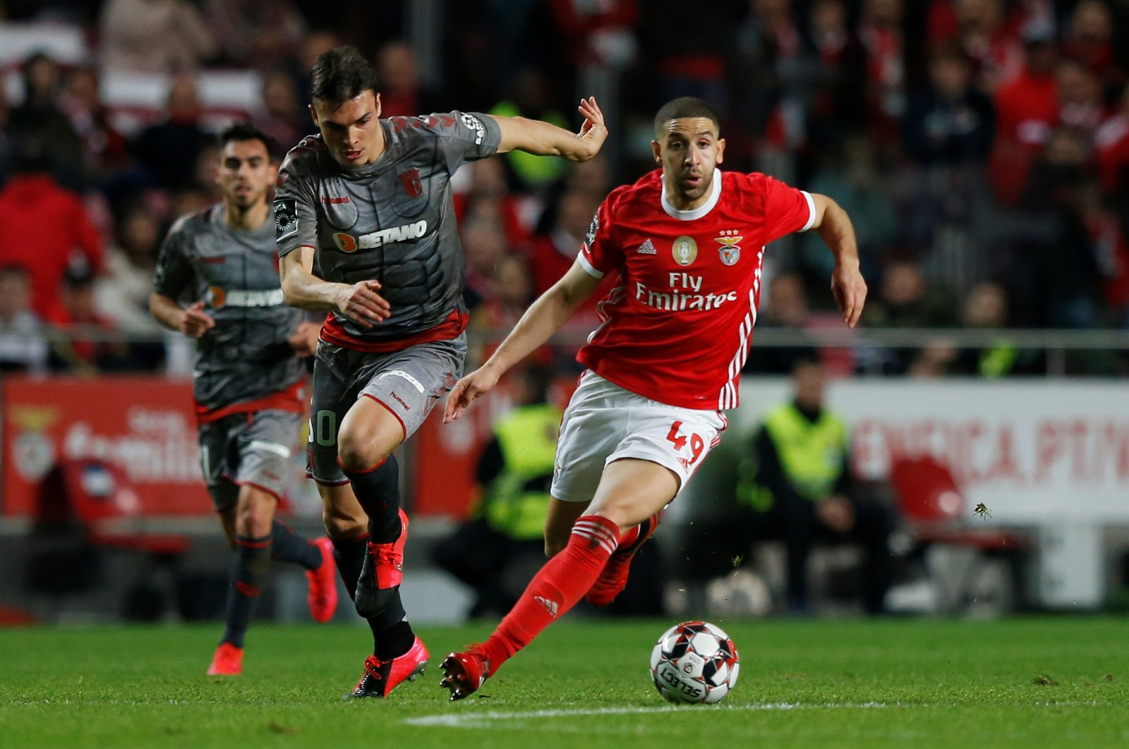 Benfica's Adel Taarabt in action with S.C. Braga's Joao Palhinha during a Primeira Liga match in Lisbon, Portugal, Feb. 15, 2020. (Reuters Photo)