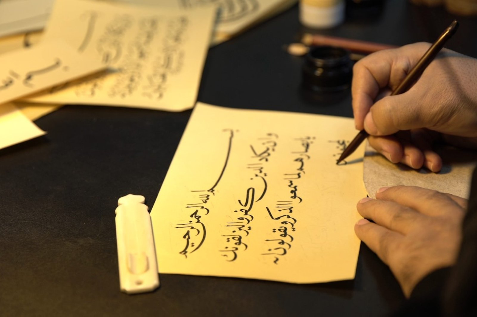 Islamic calligraphy also means attention, moderation, respect, spirituality and love, along with being beautiful writing.