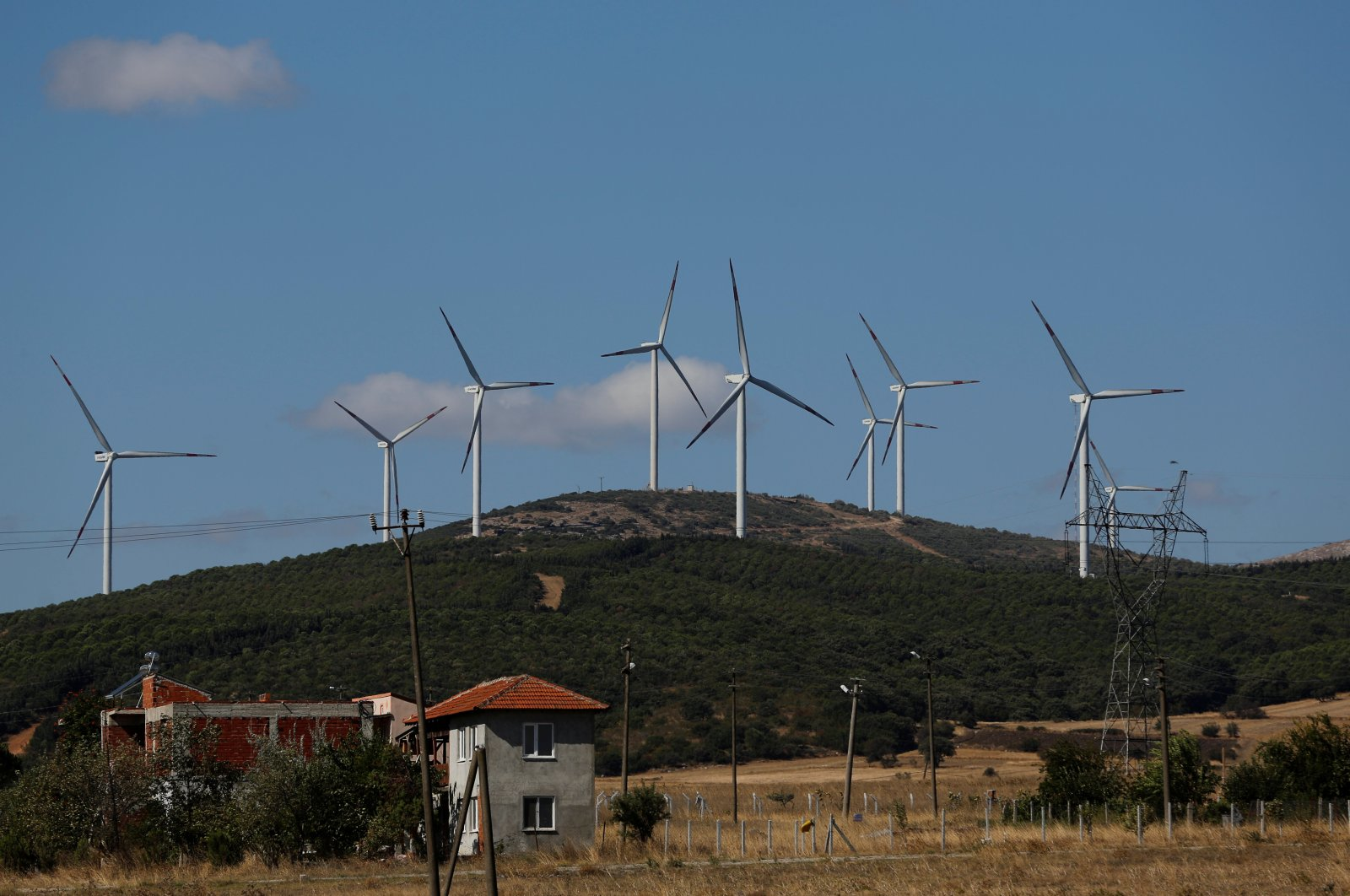 Wind turbines used to generate electricity are seen near the town of Susurluk in Balıkesir province, Turkey, Aug. 31, 2017. (Reuters Photo)
