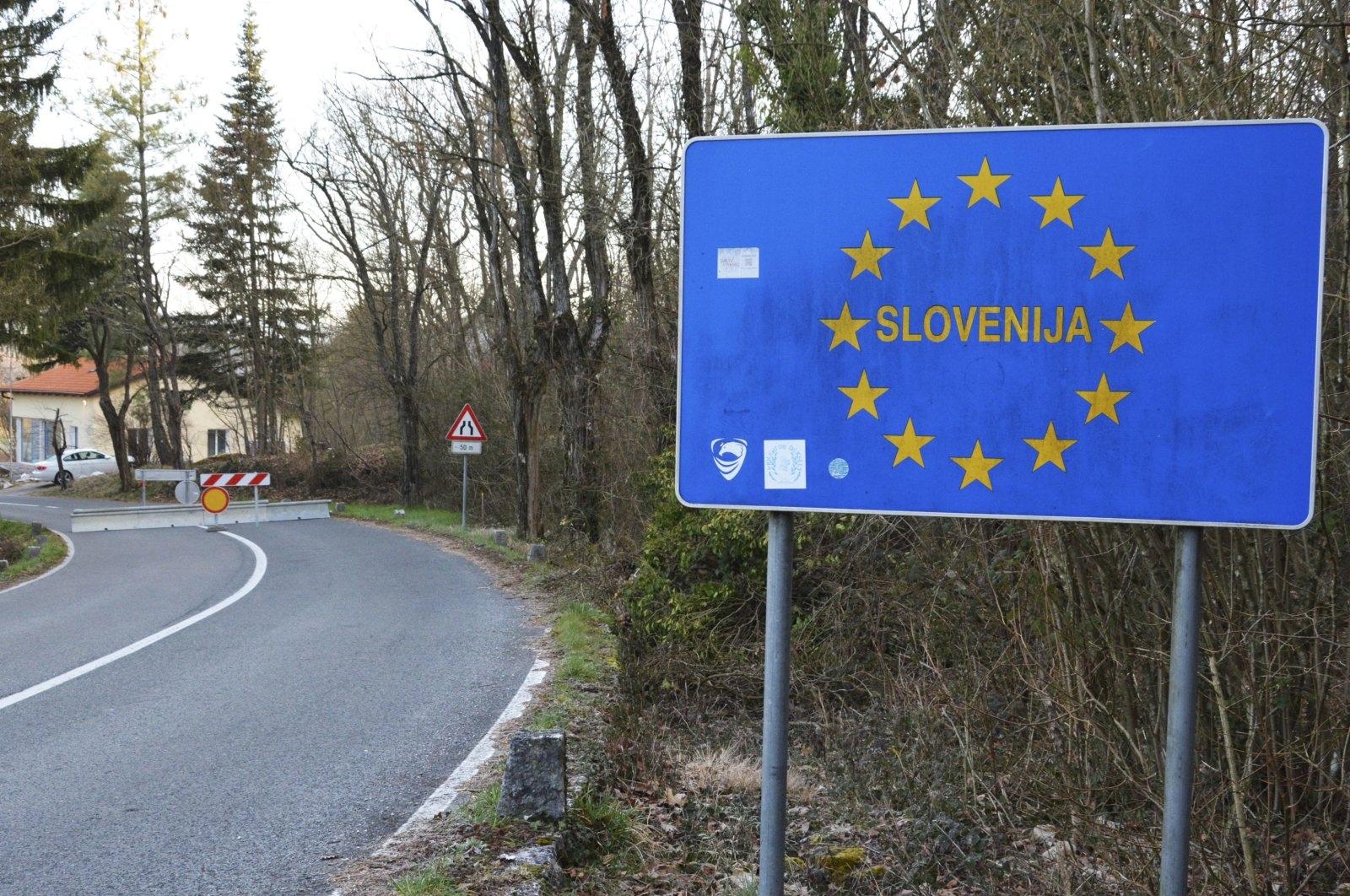 A view of the closed border crossing of Monrupino, between Slovenia and Italy, March 12, 2020. (EPA Photo)