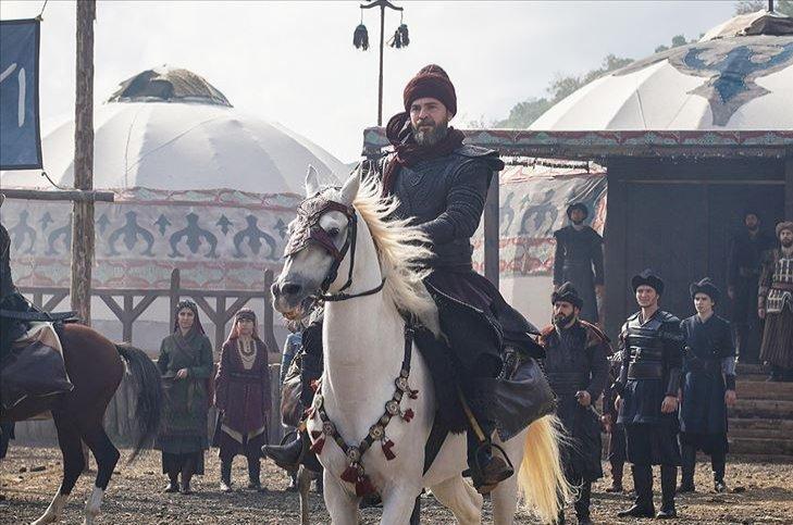 Still shot showing Engin Altan Düzyatan as Ertuğrul Gazi in the series.