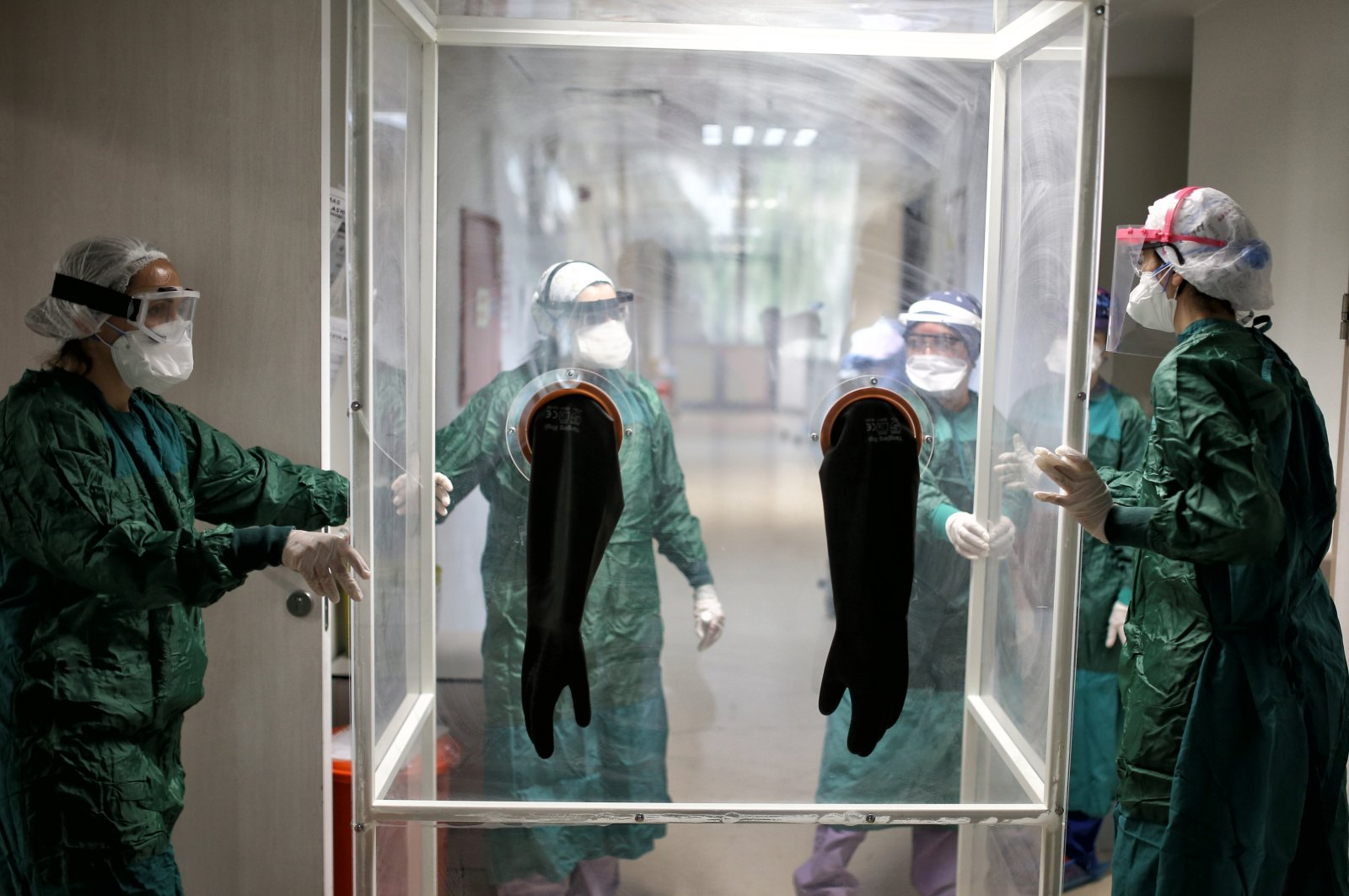 Medical staff working at Zeynep Kamil Women's and Children's Disease Training and Research Hospital, Istanbul, Turkey, on Saturday May 16, 2020.(AA Photo)