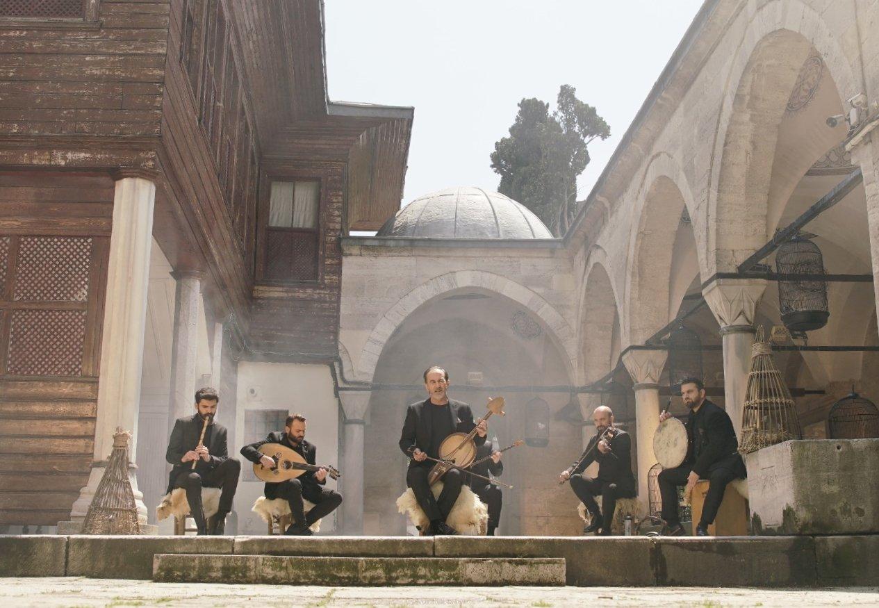 Still shot from the clip of 'Yalan Dünya.' (AA Photo)