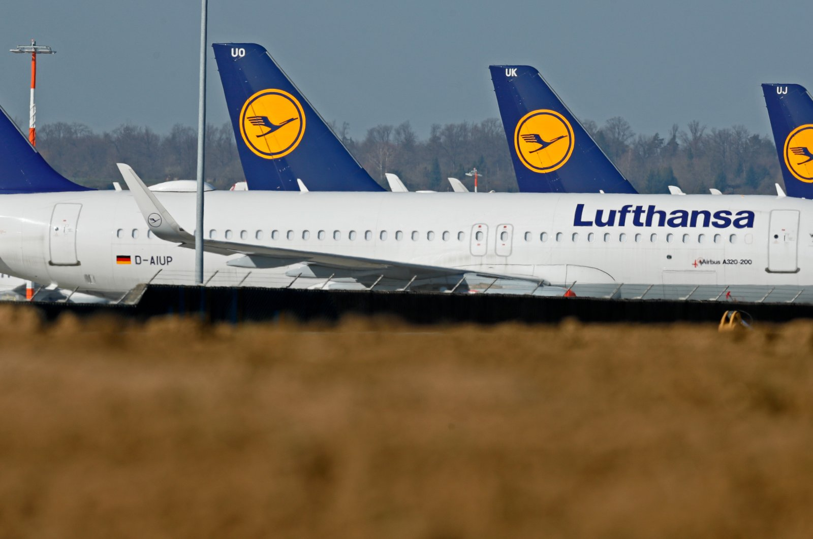 At the peak of lockdown measures, German aviation giant Lufthanser was posting loses of up to 1 million euros per hour, April 29, 2020 (IHA Photo)