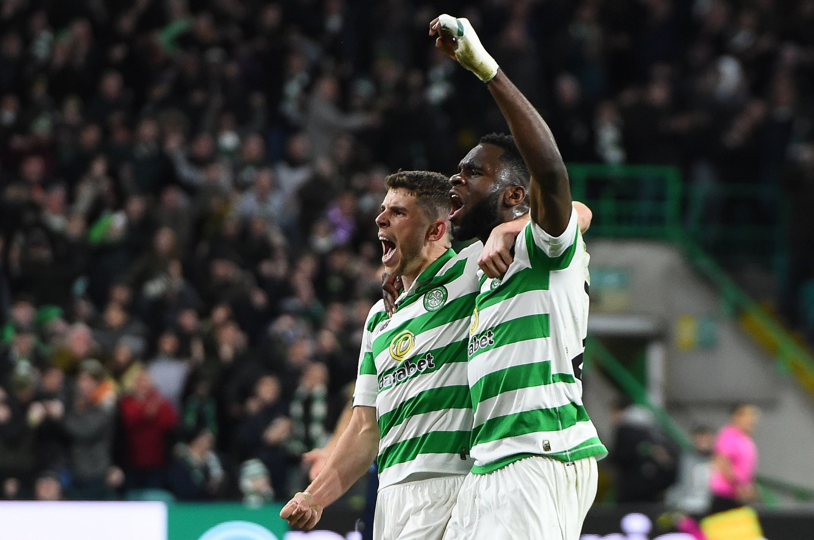 Celtic's midfielder Ryan Christie (L) celebrates scoring the equalizing goal with forward Odsonne Edouard during a match between Celtic and Lazio, in Glasgow, Scotland, Oct. 24, 2019. (AFP Photo)