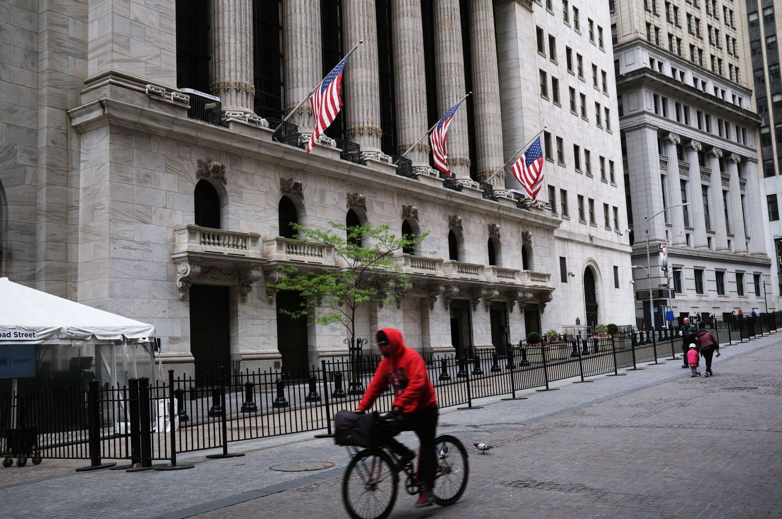 The New York Stock Exchange (NYSE) stands in lower Manhattan, New York City, May 18, 2020. (AFP Photo)