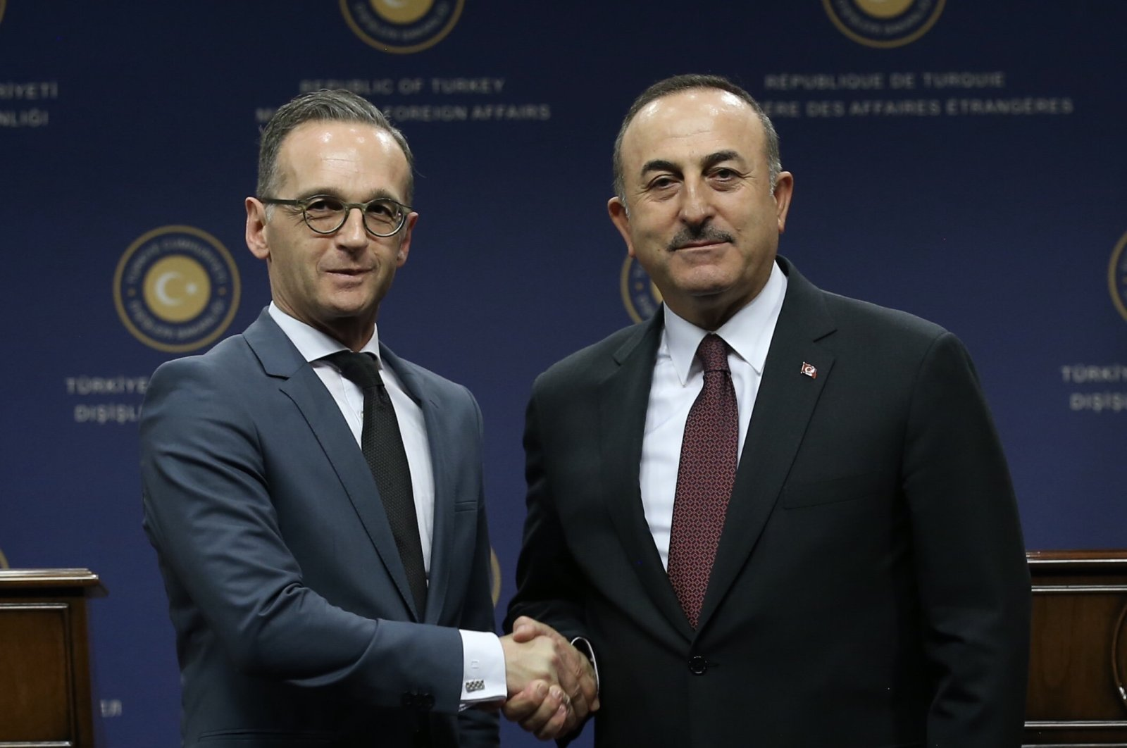 Foreign Minister Mevlüt Çavuşoğlu (R) and his German counterpart Heiko Maas shake hands after a joint press conference, Ankara, Oct. 26, 2019. (AA Photo)