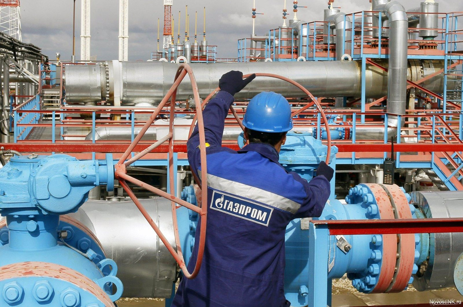 Gazprom's natural gas export volume by pipelines decreased by 24% in the January-March period. (File Photo)