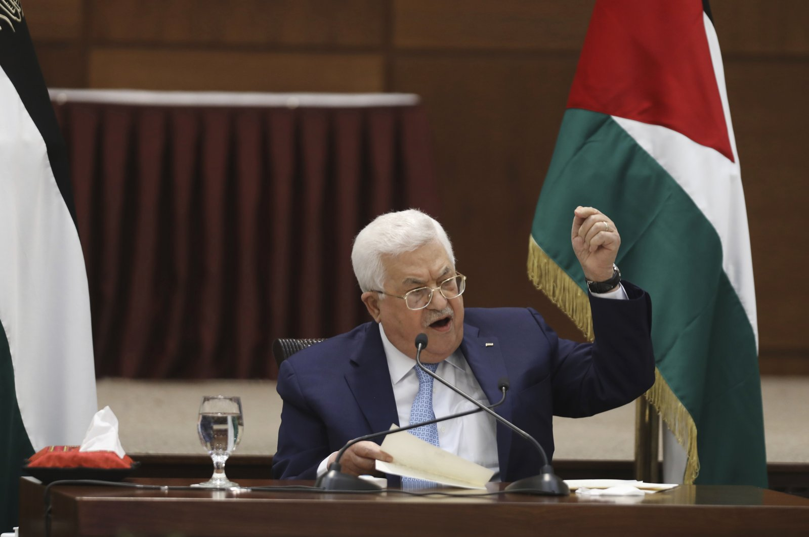 Palestinian President Mahmoud Abbas heads a leadership meeting at his headquarters in the West Bank city of Ramallah, May 19, 2020. (AP Photo)