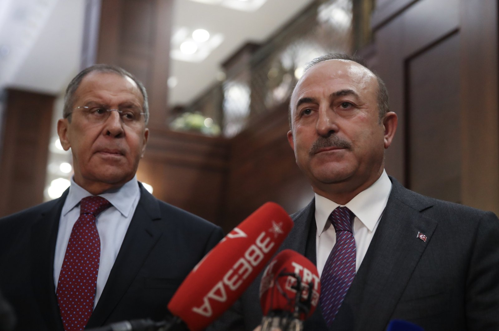 Foreign Minister Mevlüt Çavuşoğlu (R) and Russian Foreign Minister Sergey Lavrov address journalists following a meeting, Dec. 30, 2018. (AA File Photo)